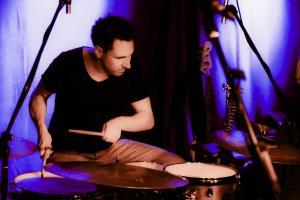 Yasi Hofer Alb Live Konzerte Christoph Scherer